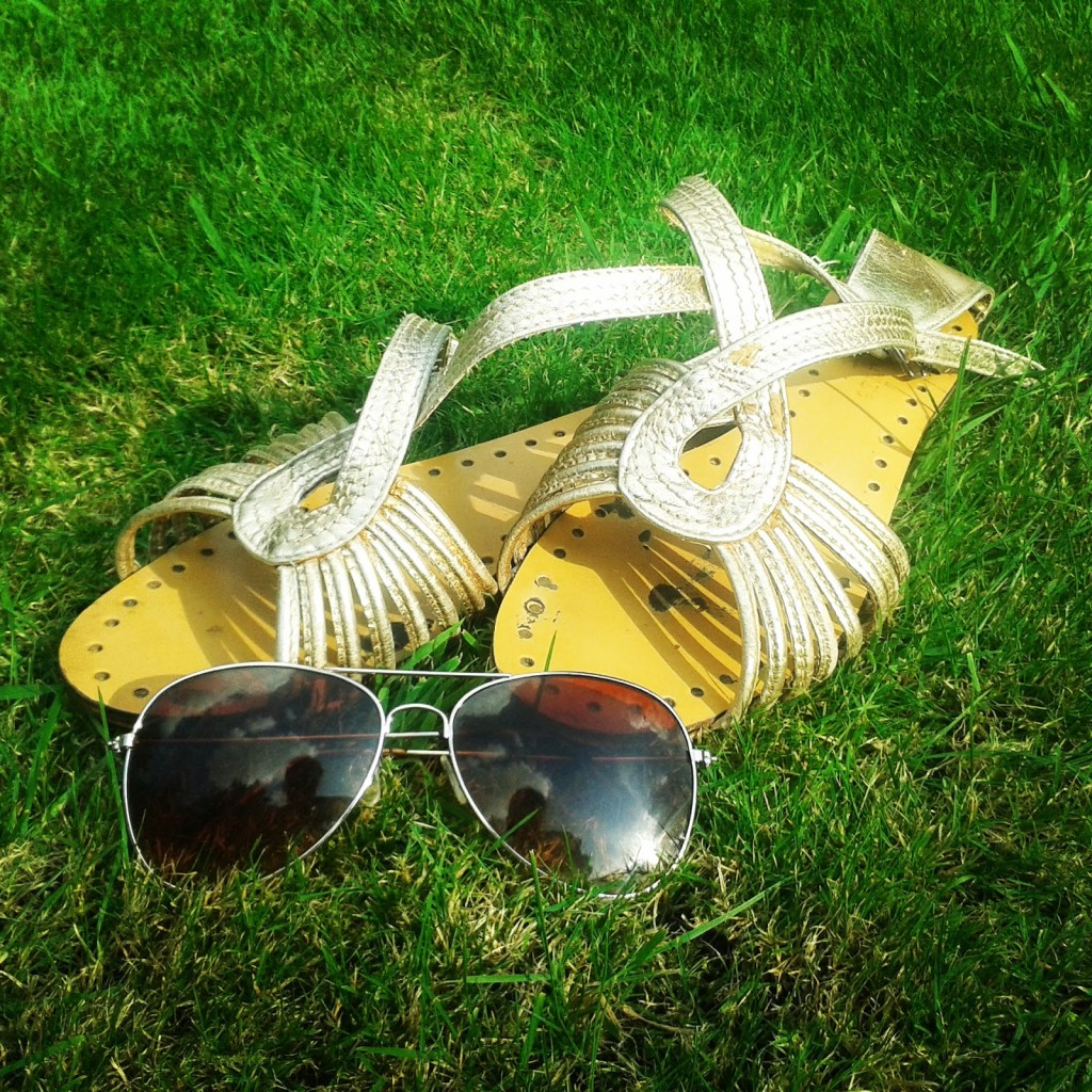 Charlotte-Buxton-summer-sandals-and-sunglasses-1024x1024